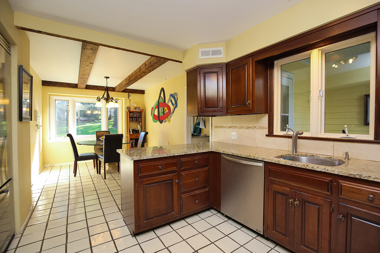 Kitchen cabinets summit nj - 15 Friar Tuck Circle Summit Nj 07901